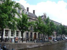 amsterdam 1 050