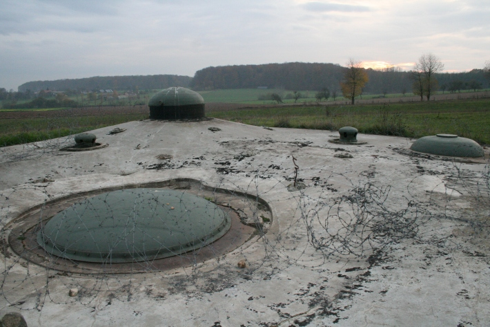 Fort_de_Schoenenbourg_forward_bunker_11-2005