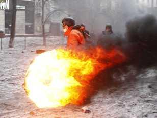 kiev-has-become-a-war-zone-photos